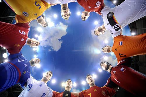 欧洲杯_欧洲杯24国佳丽争相斗艳