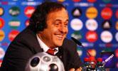 08欧洲杯:决赛在即 普拉蒂尼参加新闻发布会