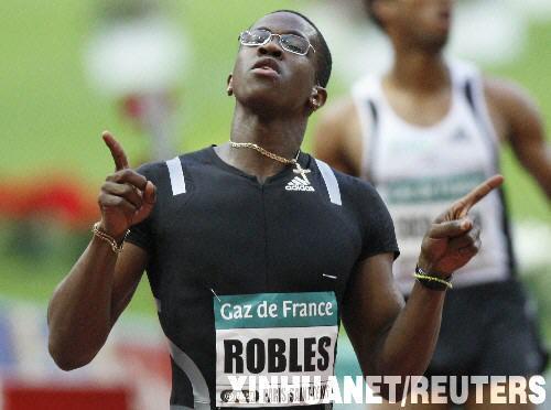 ...当日,在国际田联黄金联赛巴黎站比赛中,罗伯斯以12秒88的成绩