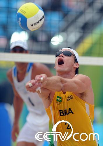 沙滩排球 巴西胜意大利 图