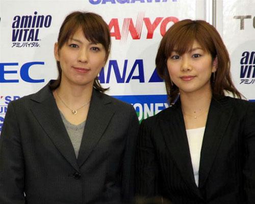 美女 写真 田玲子/小椋久美子(左)和潮田玲子