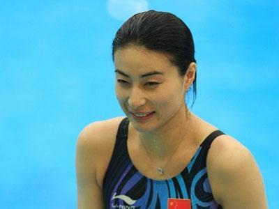 杂志公布了年度世界最佳跳水运动员,中国跳水队何冲,郭晶晶凭借在北京图片