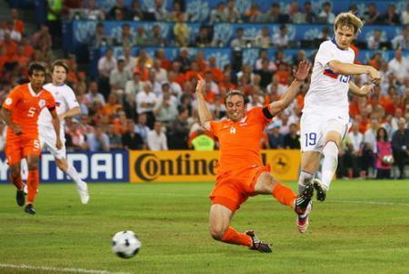 2008欧洲杯1 4决赛_2008年欧洲杯1/4决赛 俄罗斯3:1荷兰_CCTV.com_中国中央电视台