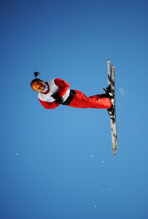图文 自由式滑雪中国包揽前四 李妮娜比赛中