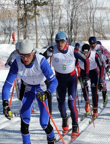 俄罗斯男女选手横扫越野滑雪无间断追逐赛