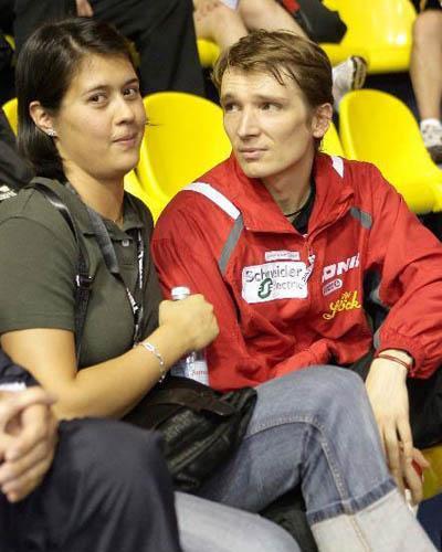 施拉格与家人 3月10日奥地利老将施拉格在国际乒联官网上...