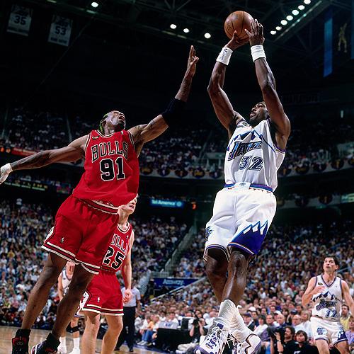[组图]尘封记忆:98年NBA总决赛 乔丹致命一击