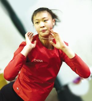 蔡斌/[视频]新女排大换血雅典奥运冠军成员一个不留