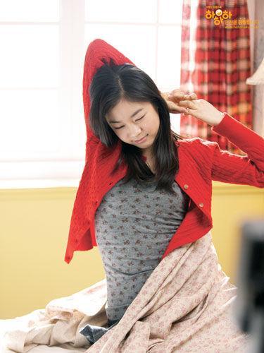 韩国花滑明星金妍儿拍摄的一组圣诞生活照