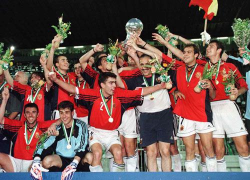 西足球首夺世界冠军10周年 99世青赛出多少巨
