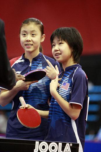 组图华裔小美女出征世乒赛