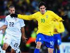 <a href=http://sports.cctv.com/20090629/100531.shtml target=_blank>[组图]巴西逆转美国 卫冕联合会杯冠军</a>