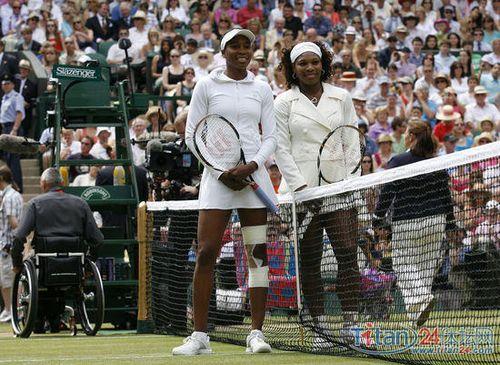 2009年7月4日_2009年7月4日,温网球女单决赛,威廉姆斯姐妹争夺最后的冠军.