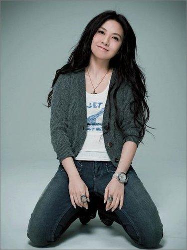 十大年轻女富豪 中超女老总不让香港影星