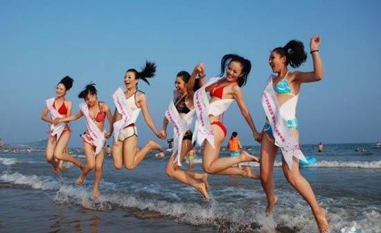 [美女]青岛沙滩选美冲浪比基尼激情美女四射大组图图片