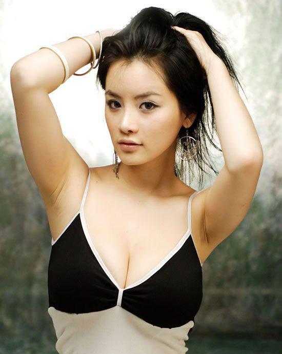 组图人气超高的日韩车模顶级美女一网打尽 C
