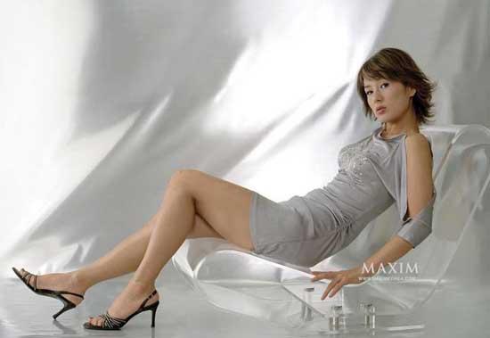 美女腿中间开大门照片(小理)美女腿中间开大门