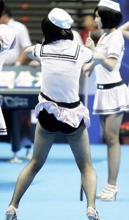 露逼骚_[组图]台球宝贝护士装性感亮相 大秀靓丽可爱