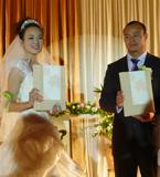 杨文军迎娶漂亮新娘 孟关良前来祝贺
