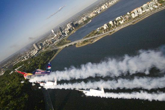 [视频]飞行竞技鹿特丹站挑战赛 炫丽飞行器介绍
